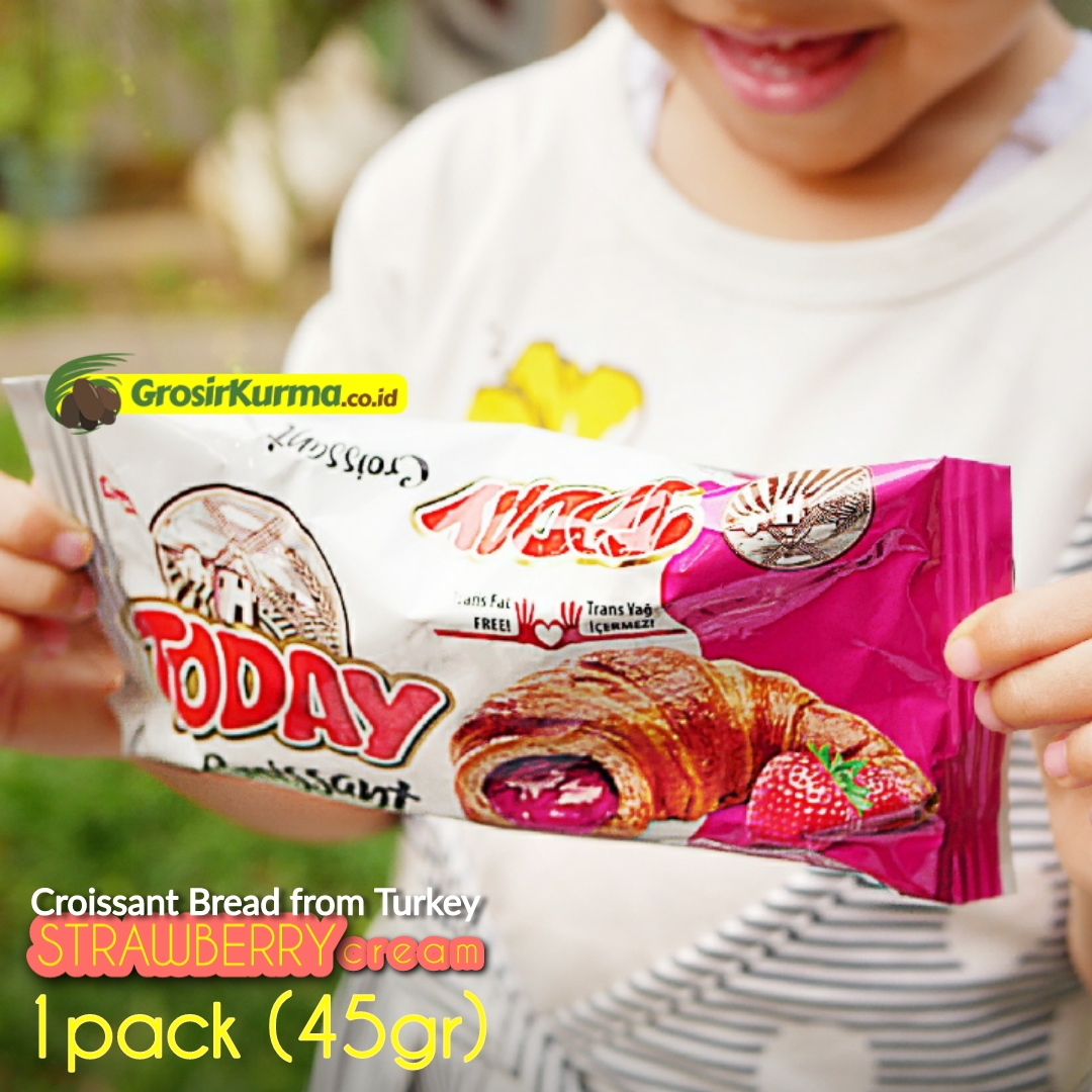 Strawberry Croissant from Turkey (45 Gr) – 1 Pcs